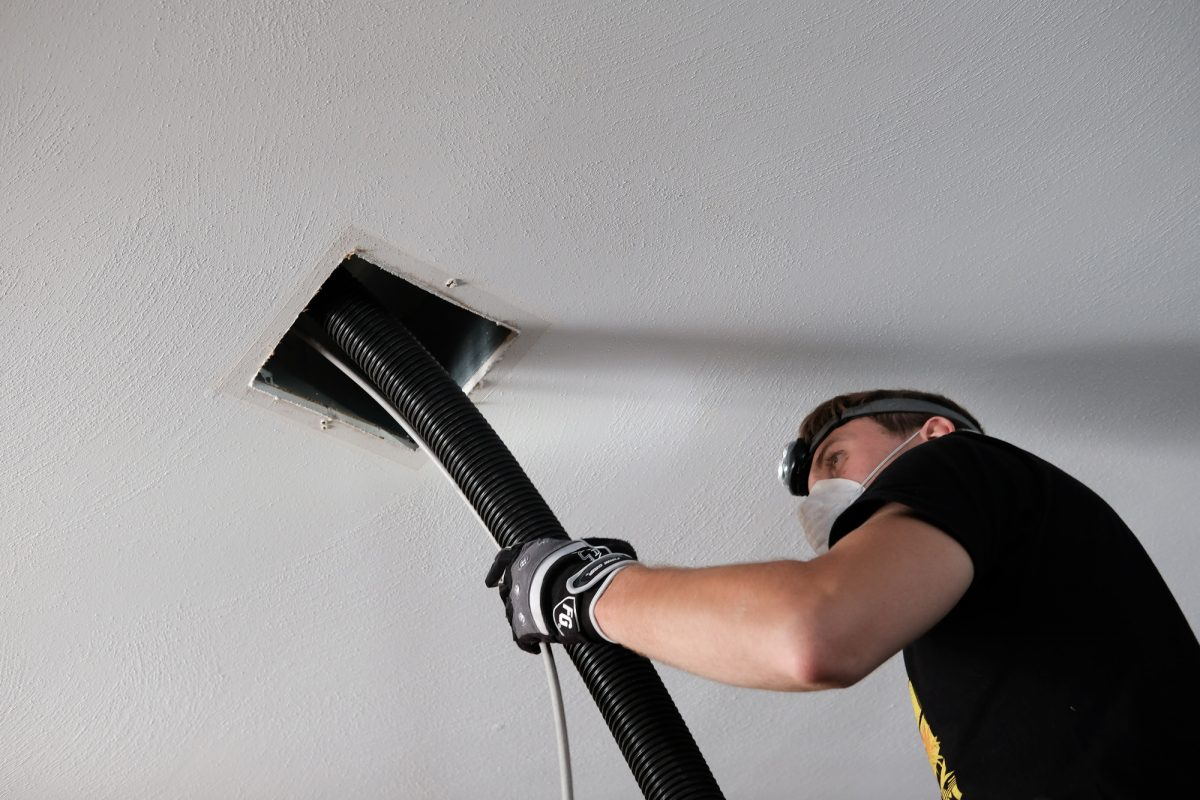 How Do I Know If My Air Ducts Need to Be Cleaned?